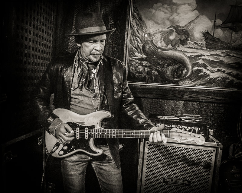 Dave Alvin at the Blasters reunion - The Redwood Bar
