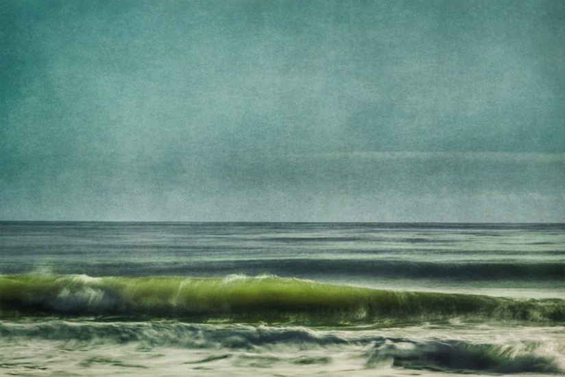 Glassy Wave with Green Tube